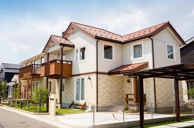 屋根葺き替え vs カバー工法 vs 屋根塗装