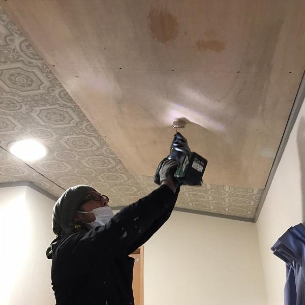 東京都大田区 S様邸 屋根塗装 雨漏り 室内天井 ベニア合板張り (3)