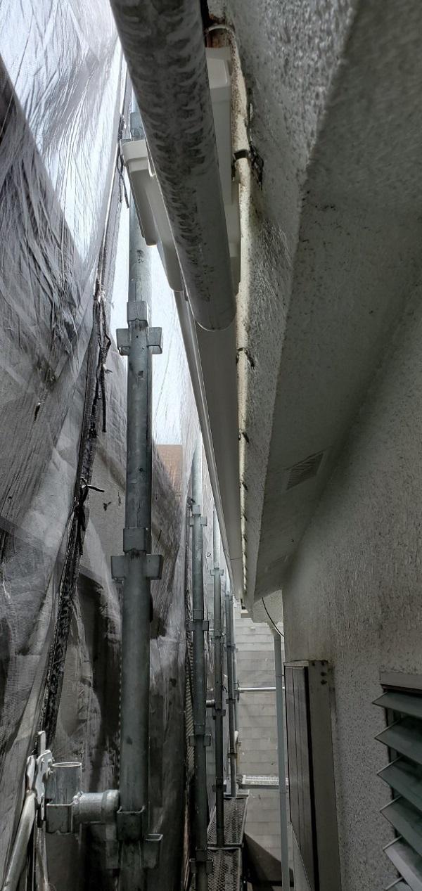 東京都大田区 S様邸 雨樋交換 雨樋が破損するとどうなるか (4)
