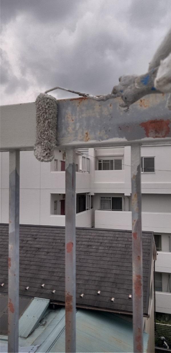 東京都葛飾区 屋上手摺り塗装、床防水工事 鉄部の塗装 ケレン作業の意味 (15)
